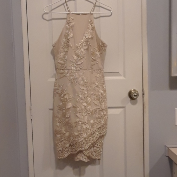 Dresses & Skirts - Gold floral going out dress
